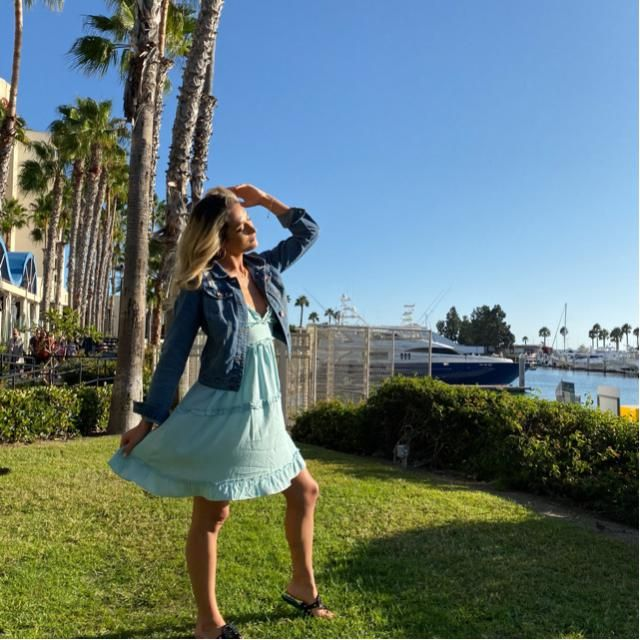 San Diego 10/2019! Loving my blue zaful dress! I paired it with a jean jacket and it was perfect for the cooler…