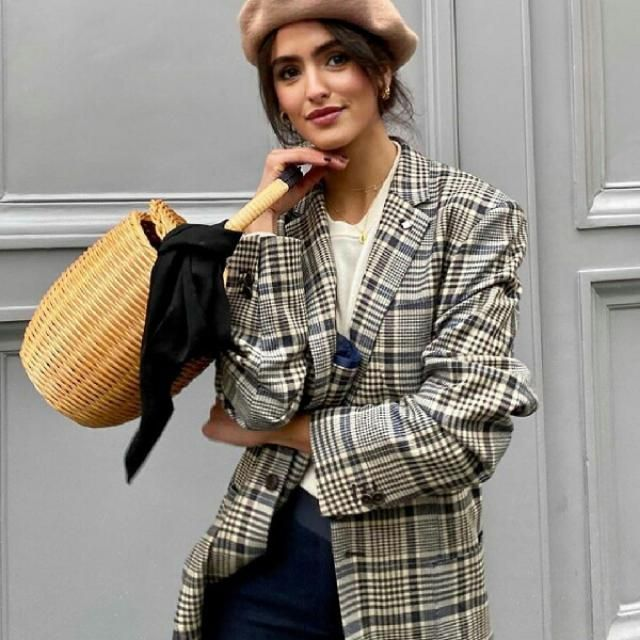 if you want to look classy and chic get a plaid blazer with this cute hat