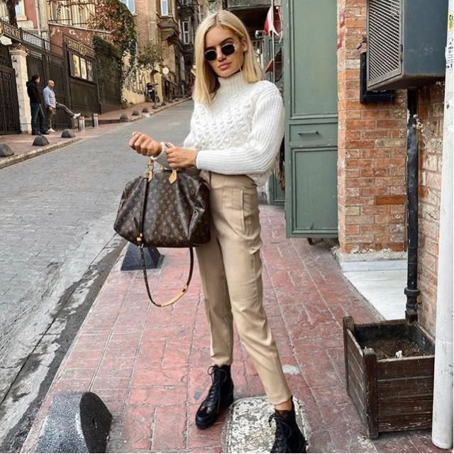 What goes well with beige pants? Definitely a white cozy sweater