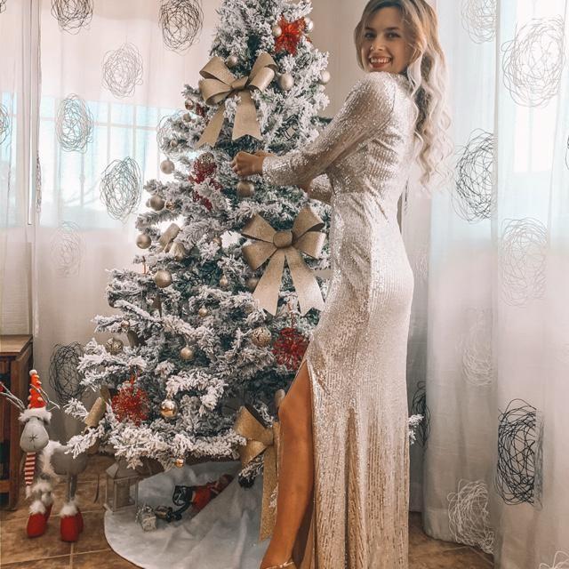 Probando vestidos para Nochevieja y aun no encontre mi favorito! Este elegante vestido con lentejuelas y man…