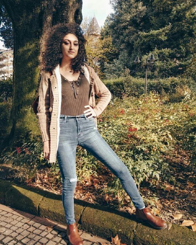 voi amate i jeans skinny o quelli più larghi?
