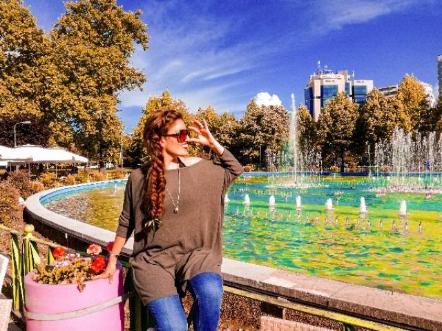 Qui mi trovavo in Albania Precisamente a Tirana, una città che mi ha colpito tantissimo. sono andata lì insieme a…