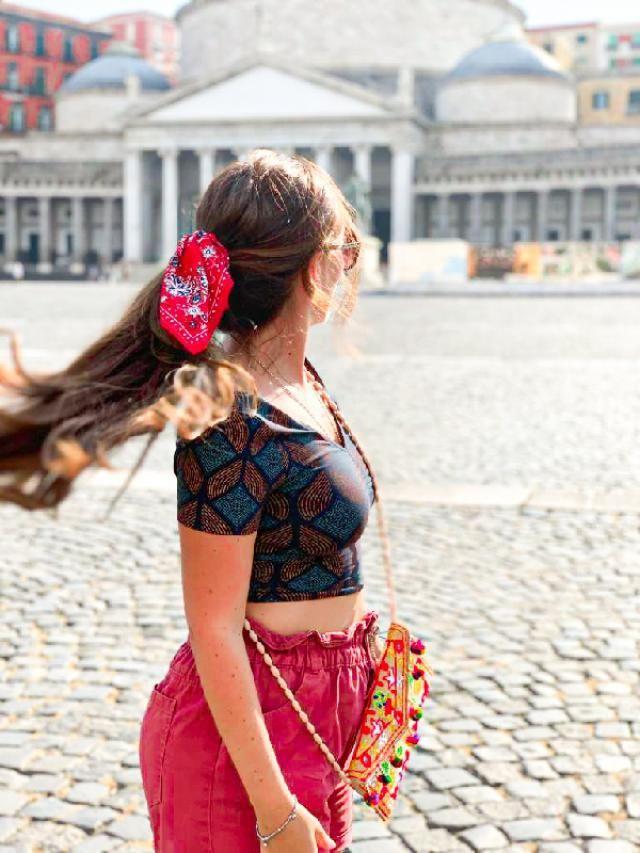 Napoli: la città in cui sono nata... una città ricca Ma povera nello stesso tempo, Una città sempre colorata ed …