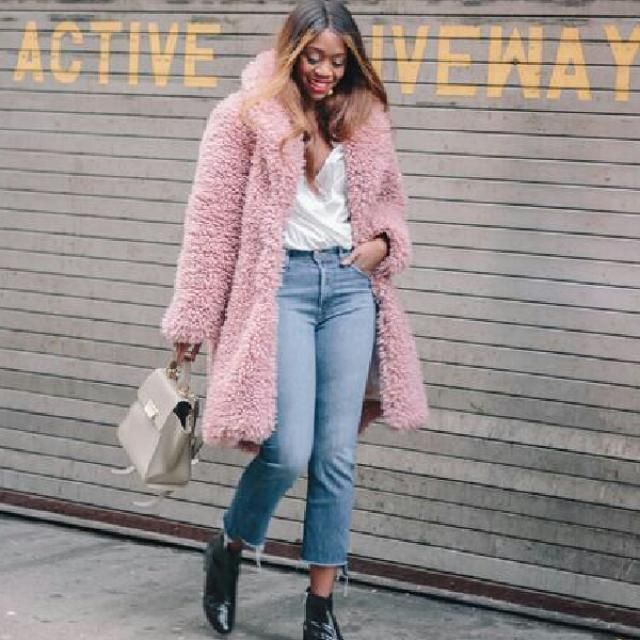 omg she looks stunning in this pink faux fur coat