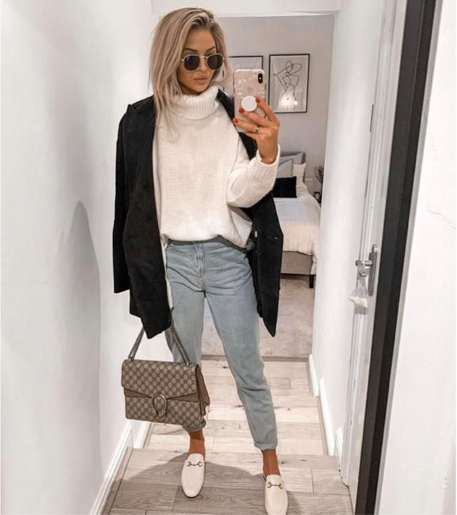 What do you think about this outfit? Turtleneck sweater can match with everything