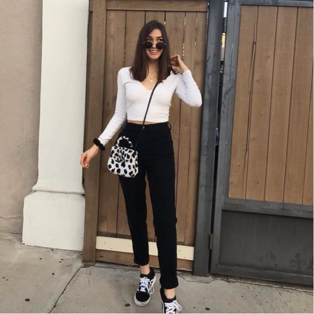Always dress casual with black and white top and bottom