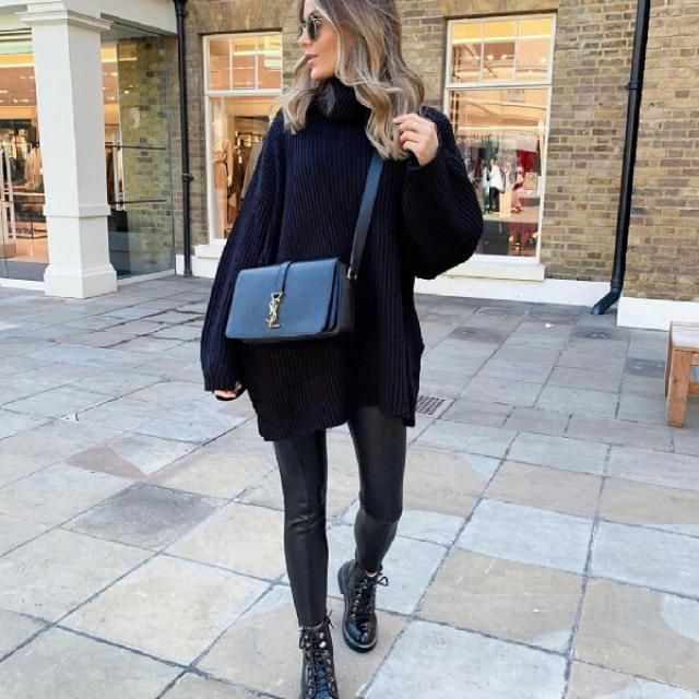 this is an easy look to achieve you need a black long turtleneck sweater with faux leather pants and voilà        …