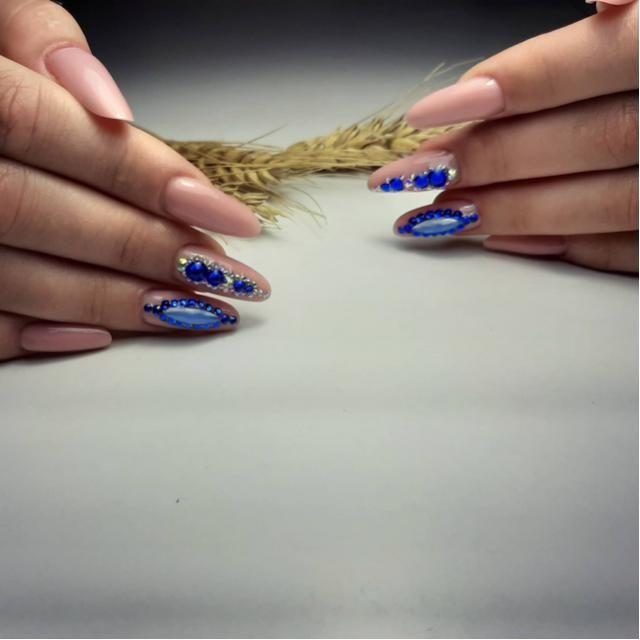 /WMakeUp  Nails