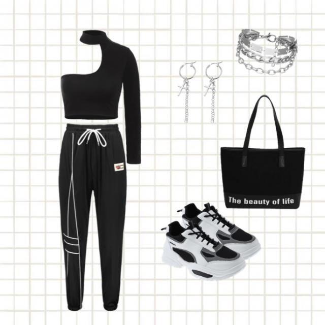 Abbigliamento tutto nero
