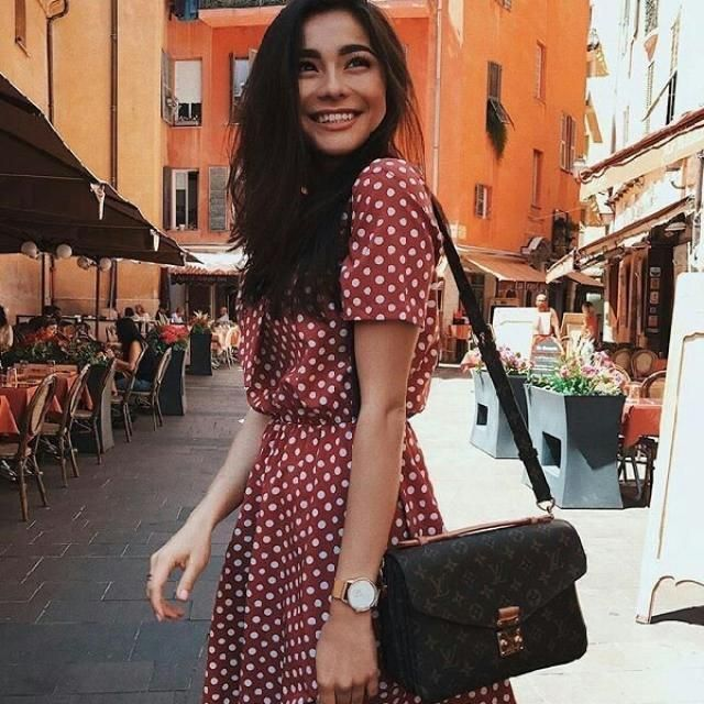 polka dot dresses are the best so comfortable and looks chic abd feminine