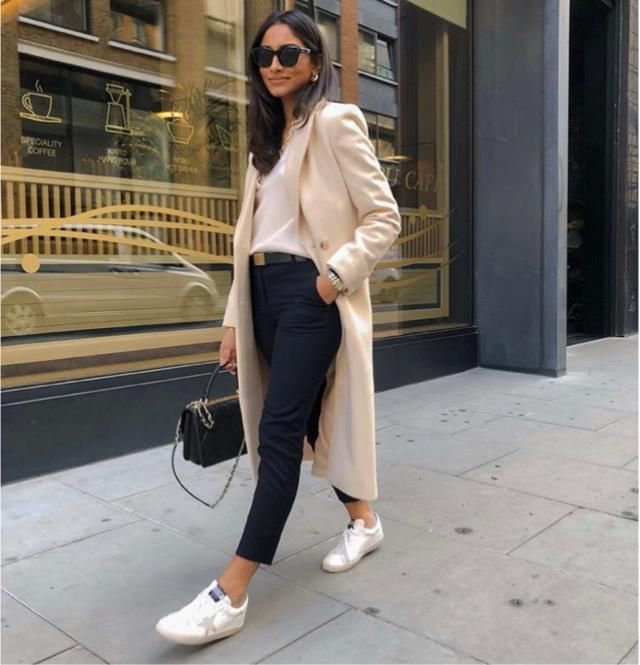 This simple white coat will make you look stylish for winter