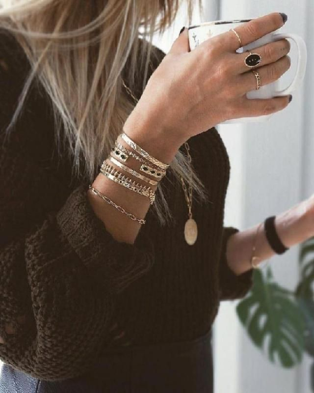 Wearjewelrythat is in the same color family as youroutfitor that is on the opposite side of the color wheel.| …