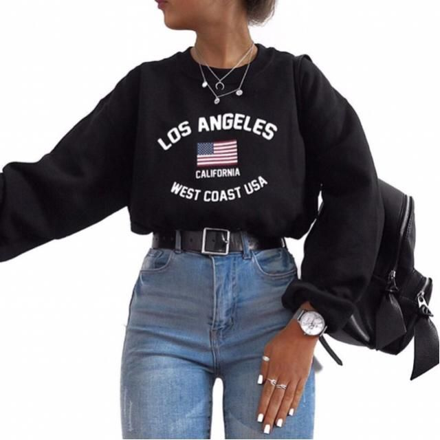 currently living in this sweatshirt |