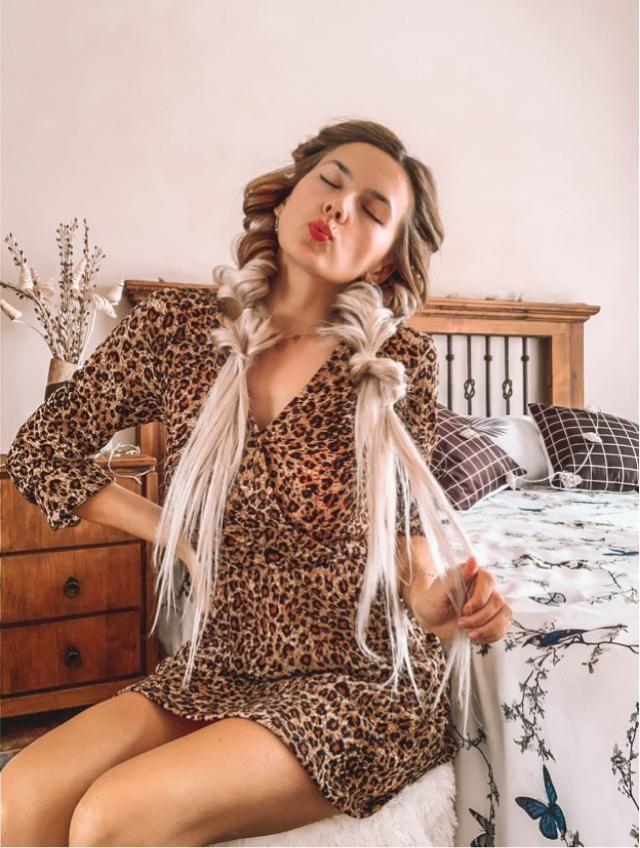 Que os parece el animal print? Este vestido me parece de lo mas adorable! Es de manga larga y tiene mucho mo…
