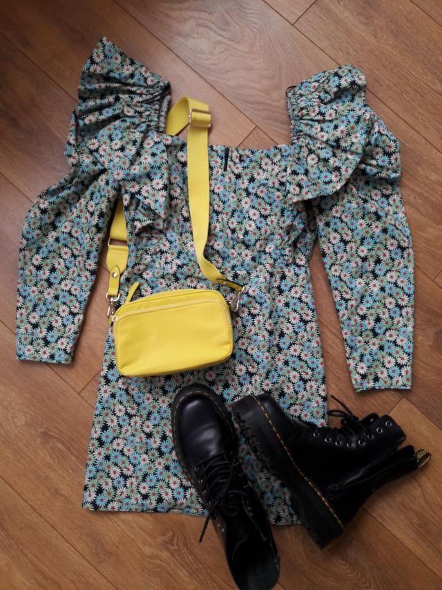 Dr Mar + floral dress = 🌼🍋🌻