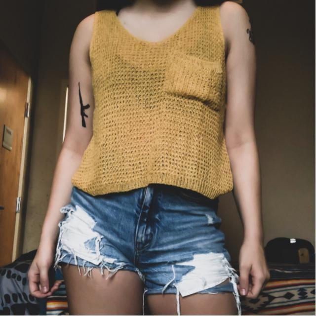 Waffle cut sweater tank top & high waisted shorts🌼🤙🏼 hello