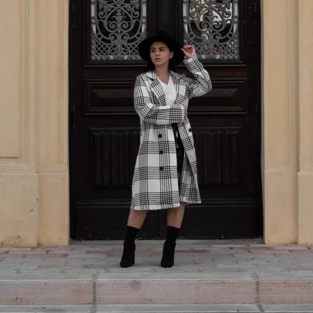 Cute mi season look, add a hat and long coat to all your look and here's a mi-season look !