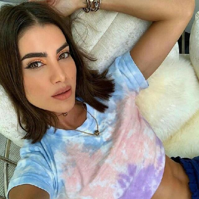 tie dye tees are the best for a relaxed cool outfit