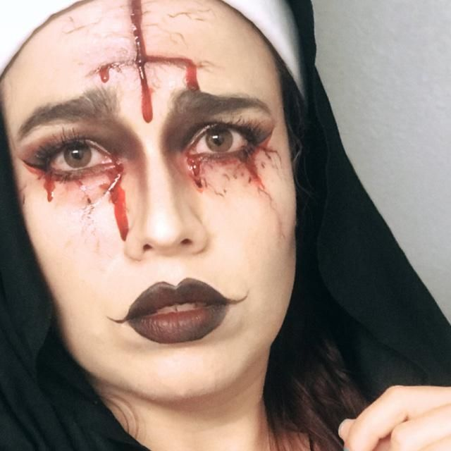 I love make up in hallowen