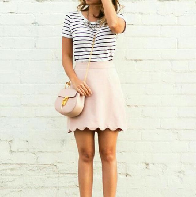 I am in love with this adorable look, the scalloped skirt is amazing