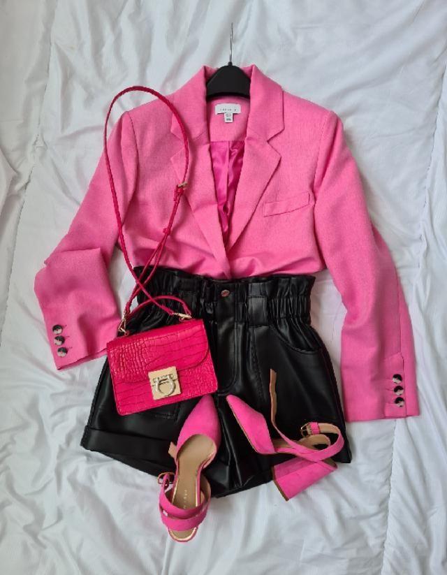 pink & black vibes 💘