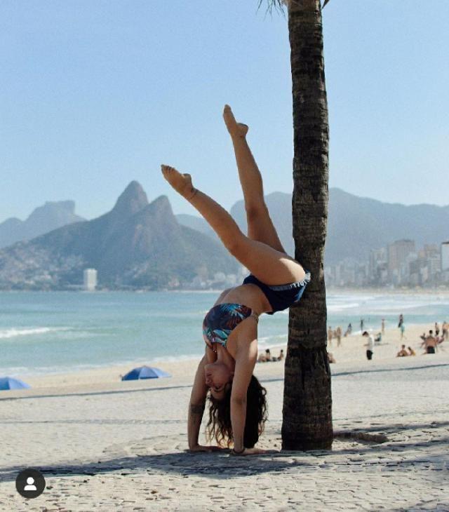 i wanna try yoga!😭