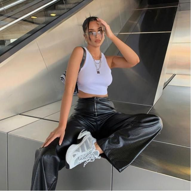 Day to day always look glamorous with leather pants