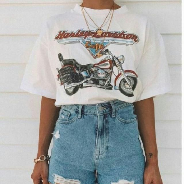 Sometimes all you need is a simple graphic tee sweater with a comfortable high waisted shorts