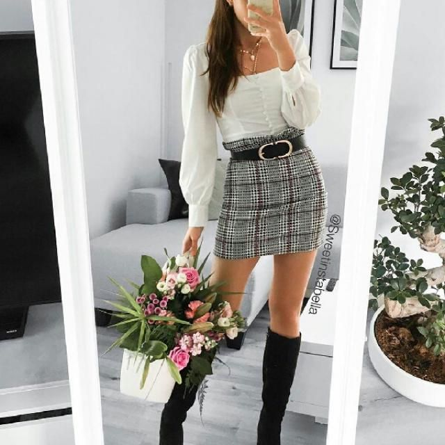 I love this outfit,  it chic and perfect for a date