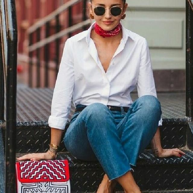 A great way to make this simple look more chic and unique is to wear add a cute scarf that match the color of your…