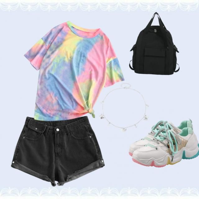 Cool outfit! Do you like tiedye?