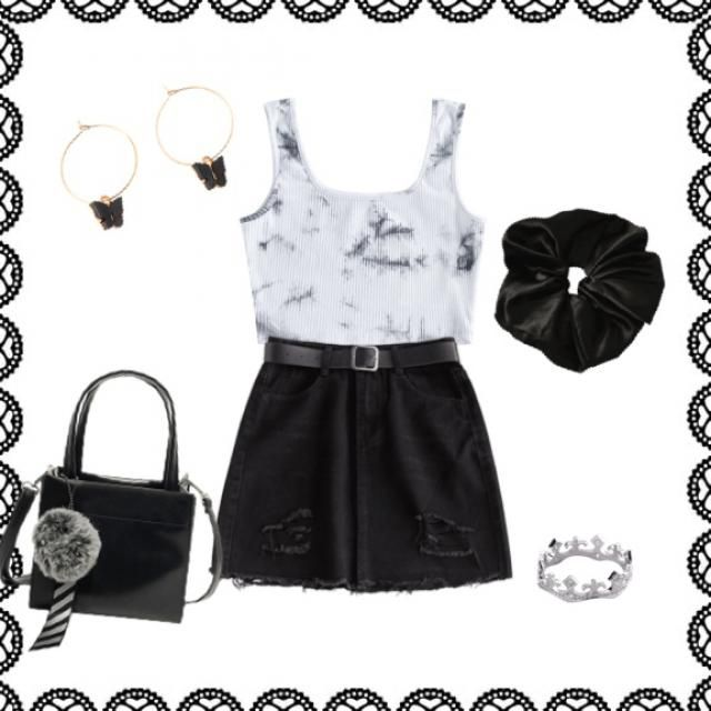 Chic black, white and grey outfit.