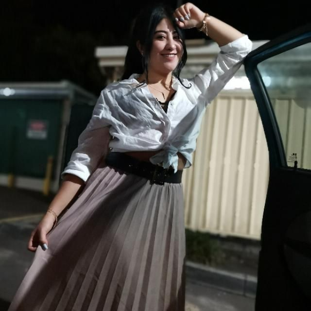 Skirt long and comfortable. Outfit for casual events