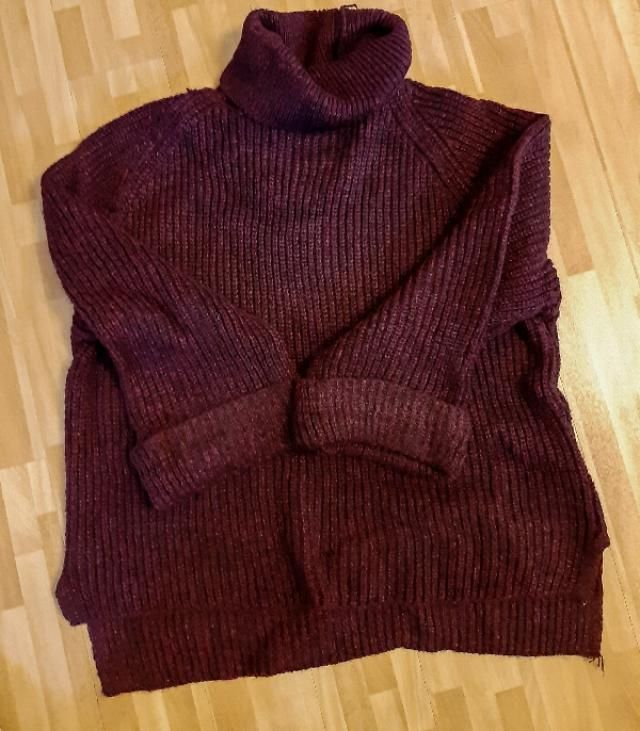Cozy turtleneck sweater for sweater weather! Ypu won&;t see a stain of red wine on this one, that&;s for sure! Fant…