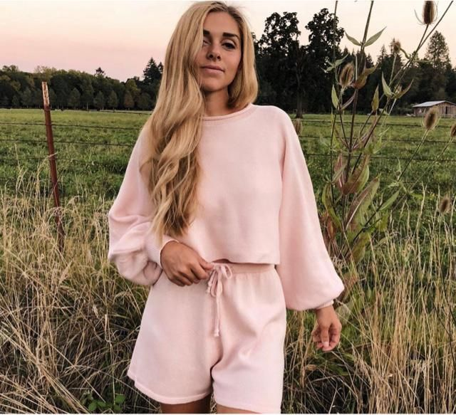 What a comfy cute pink top and bottom here