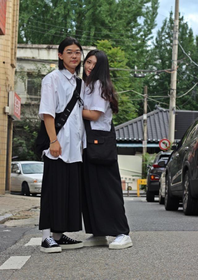 minimal couple look   instagram: bb_stg ☜ follow Korea model