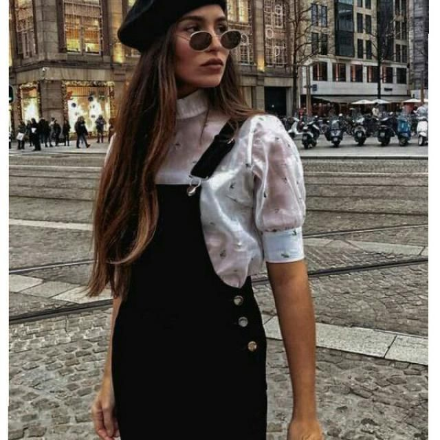For a casual day out with your friends, pair your overall  with sheer shirt, and a beret