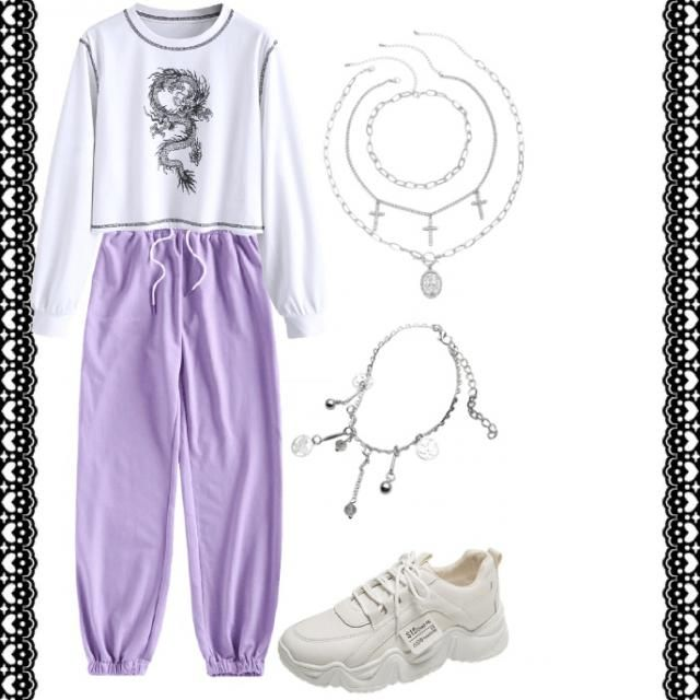 Comfy cute street like outfit 🤍💜