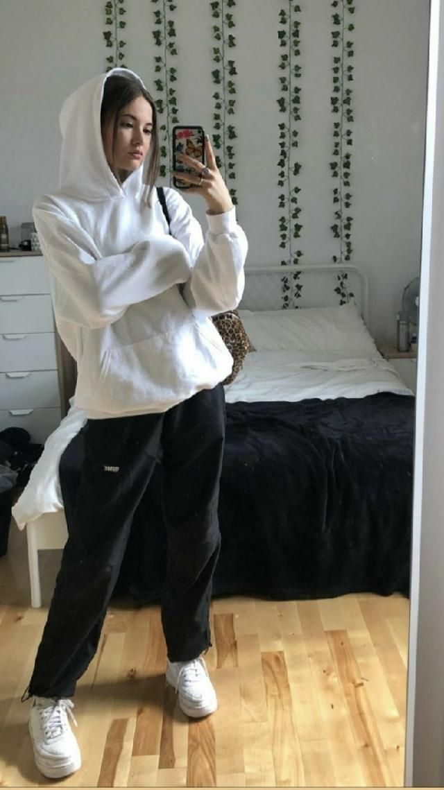 status: in love with white hoodies 🥰