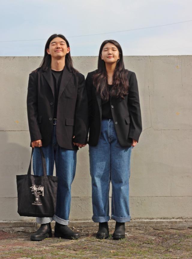 Normcore couple look    instagram: bb_stg