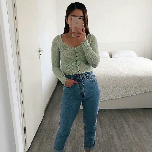 simple and cute with button up ribbed top and comfy jeans