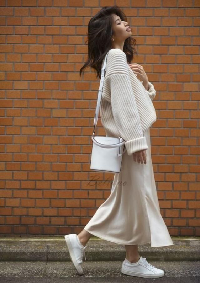 It&;s all about a big knit & a midi skirt ♡