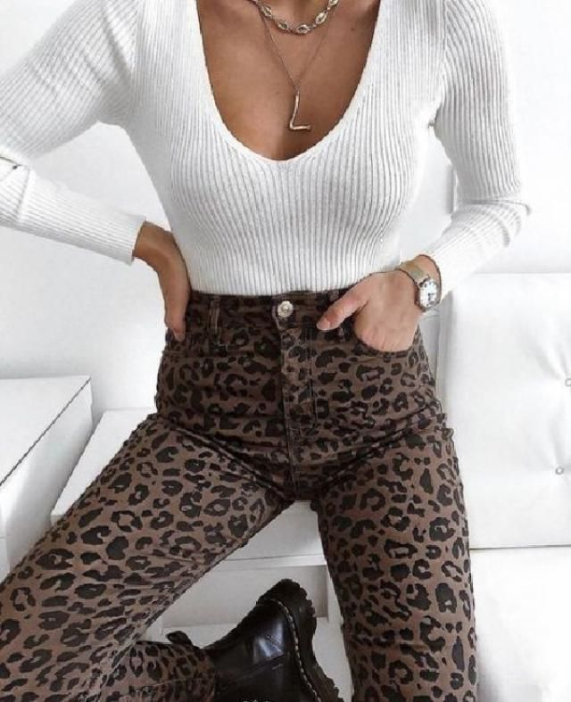 A good animal print can live in your wardrobe for a few seasons.  I like how the leopard print pants goes well…