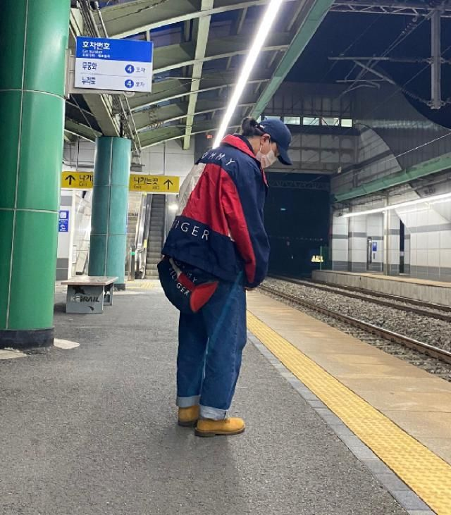 Korea Tommy 90s oldschool fashion  instagram: bb_stg ☜ fashion model