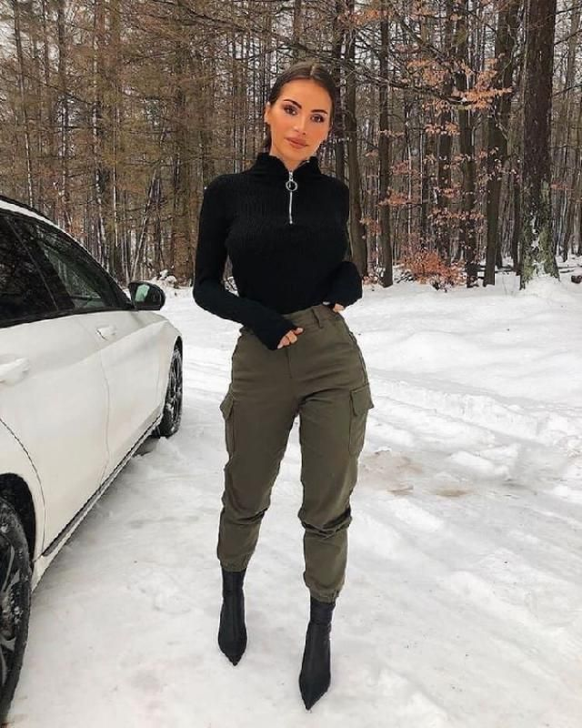You can always choose to wear your cargo pants with heels because they're suprisingly stylish! | | |