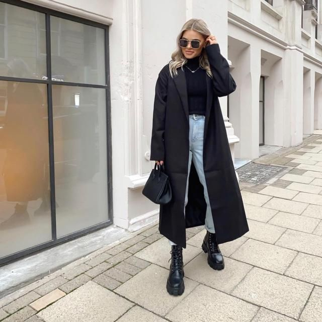 I adore this longline coat! Such a cutie coat for the day