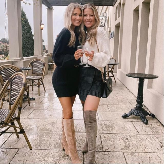 Enjoy the time with your bestie in fashionable way