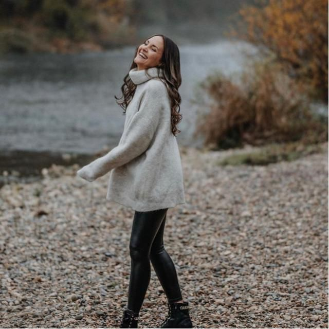 The river is quite and peaceful! Suitable with this sweater