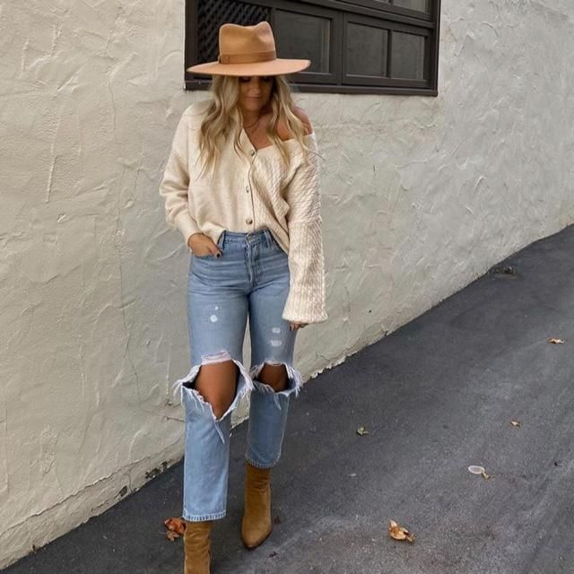Hat on, cardigan sweater on and jeans on! 3 outfits you need      a