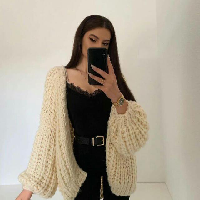 I love this beige cardigan